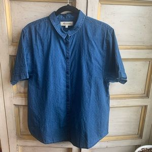 MADEWELL Men's Chambray Short Sleeve Butto…